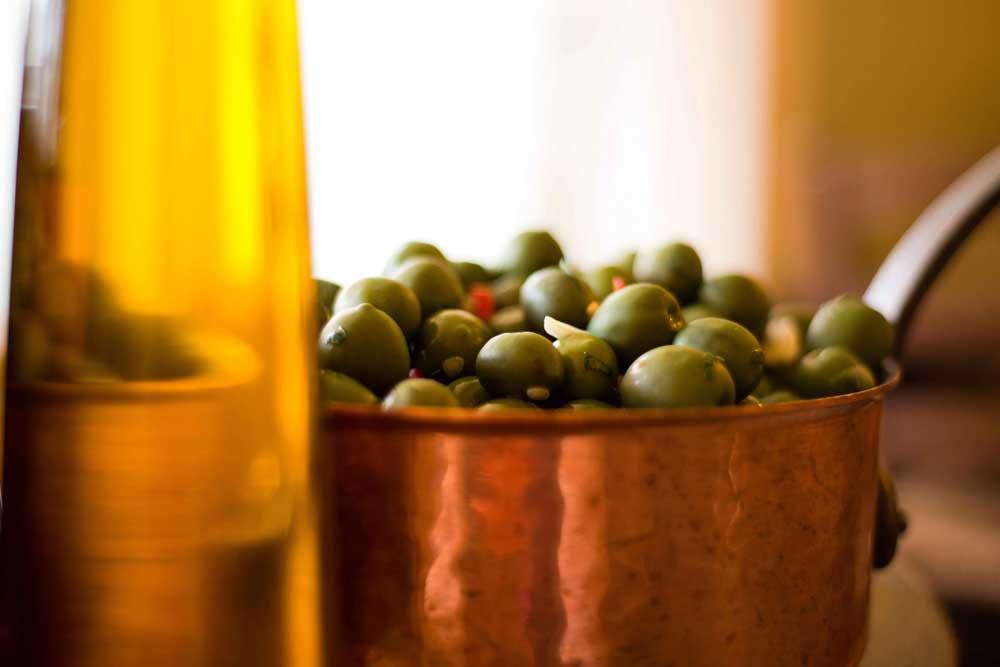 olives-oil-osteria-antica-bologna-sml2