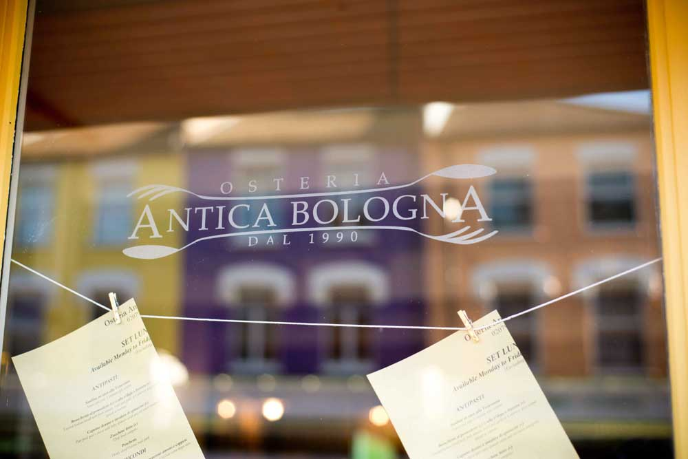 window-osteria-antica-bologna-sml2